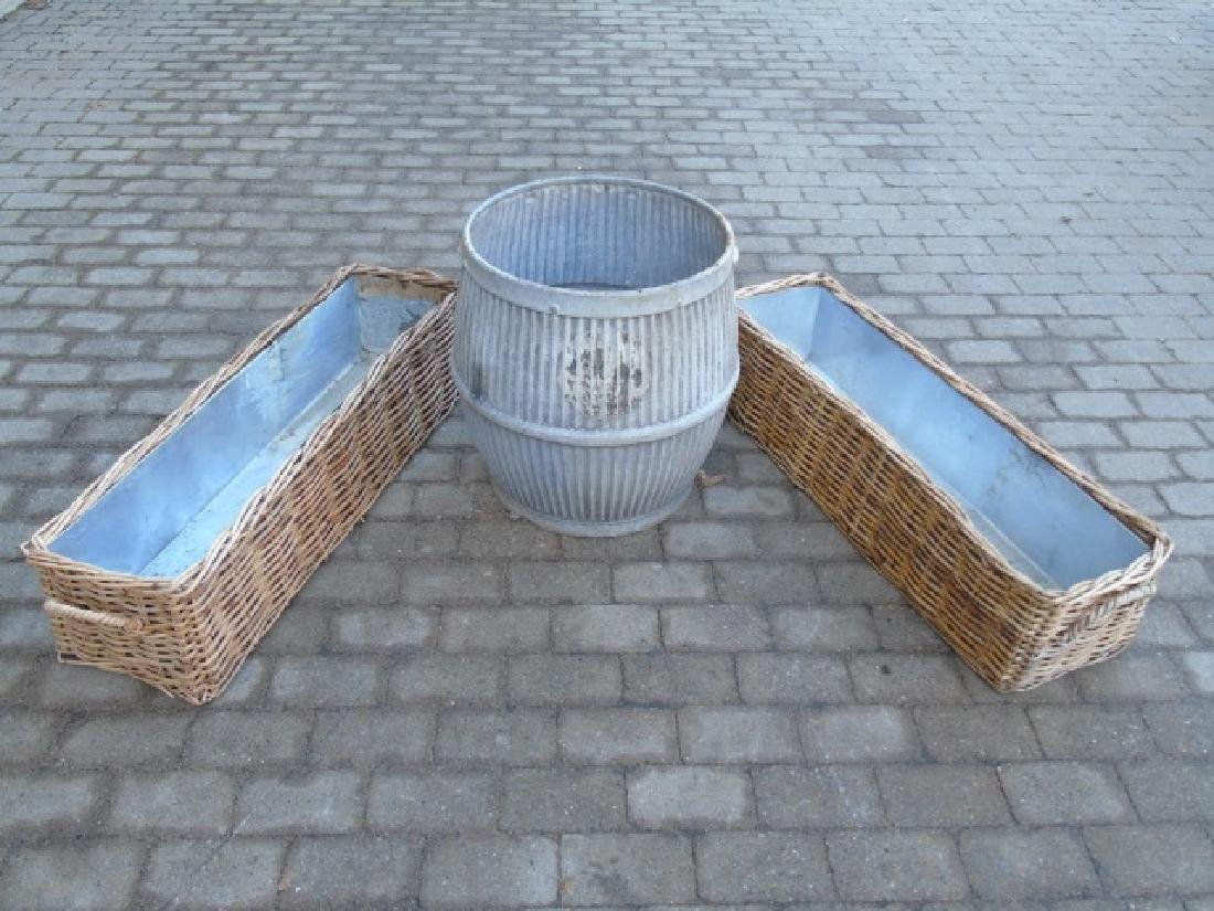 Garden Item Group: Pair Flower Boxes & Planter Pot