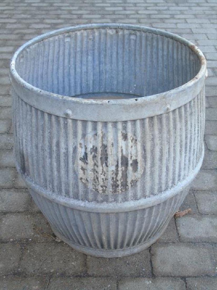 Garden Item Group: Pair Flower Boxes & Planter Pot - 2
