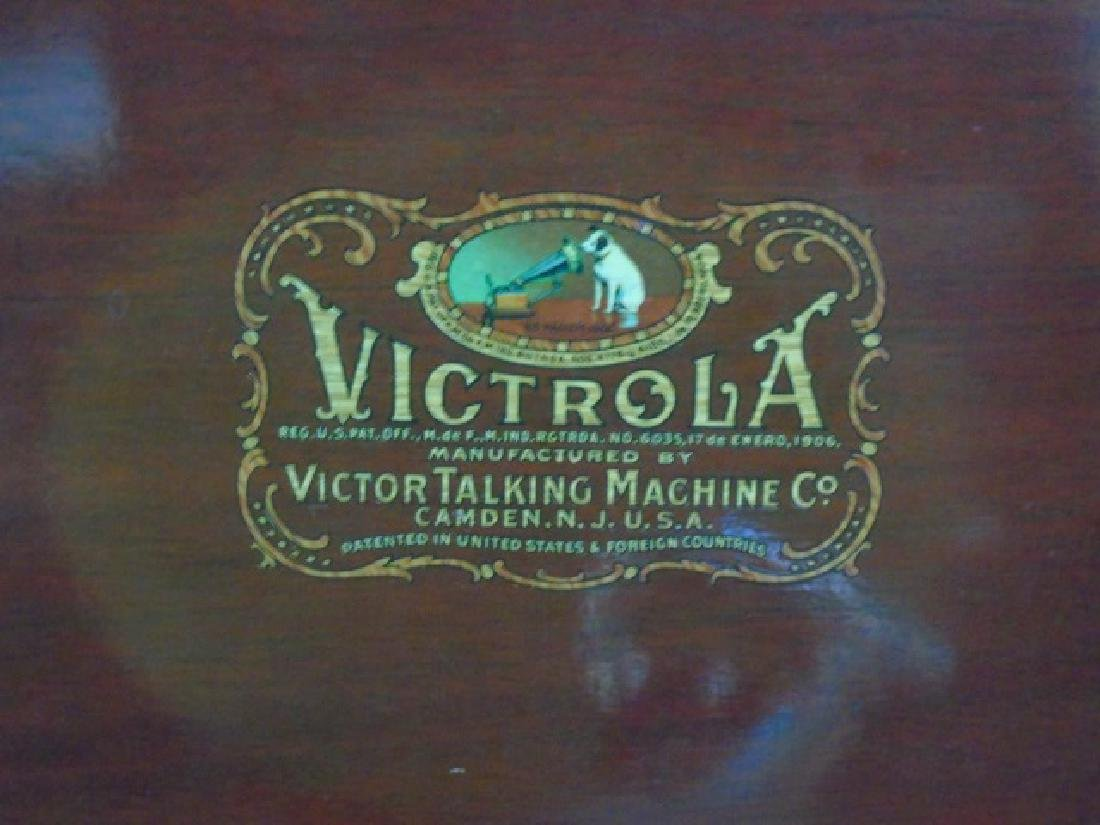 1920 Victor Talking Machine with Record Collection - 3