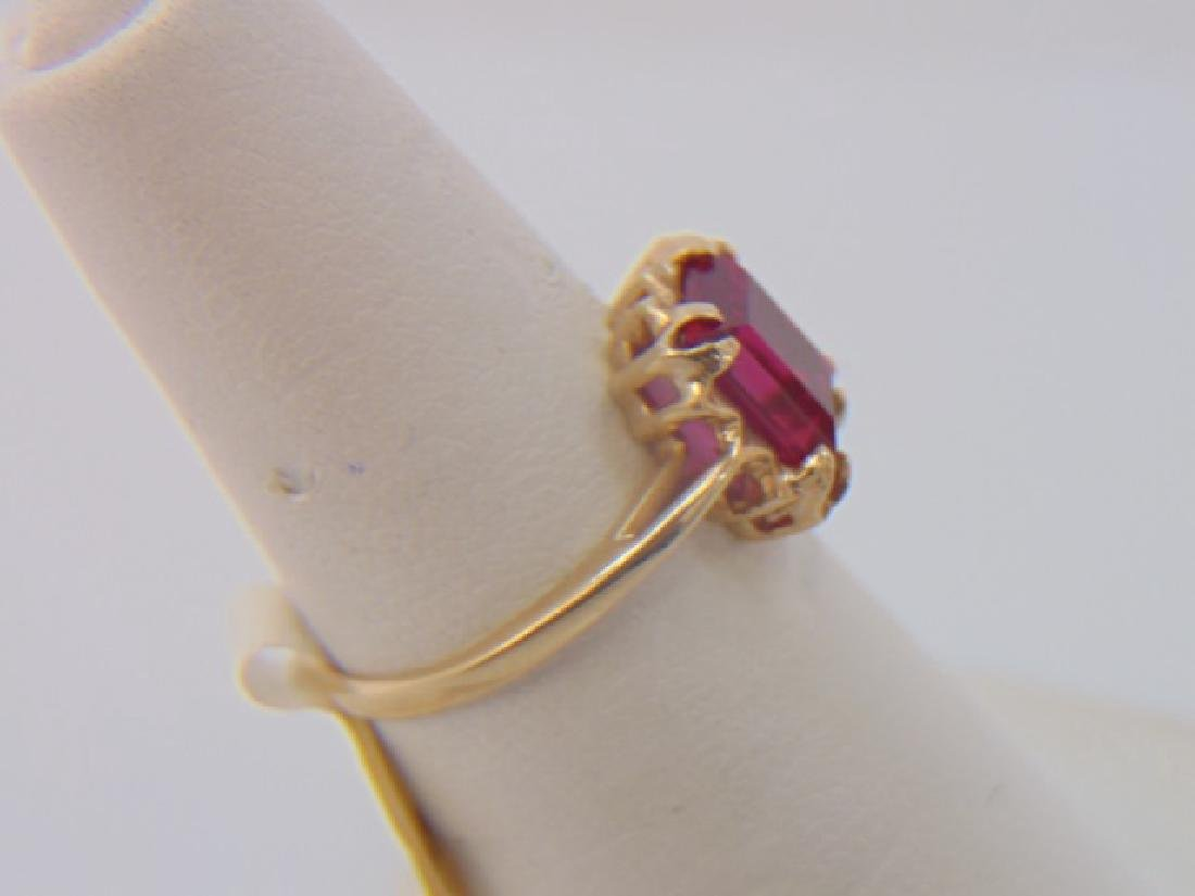 Four Vintage 10kt Yellow Gold Stacking Rings - 4