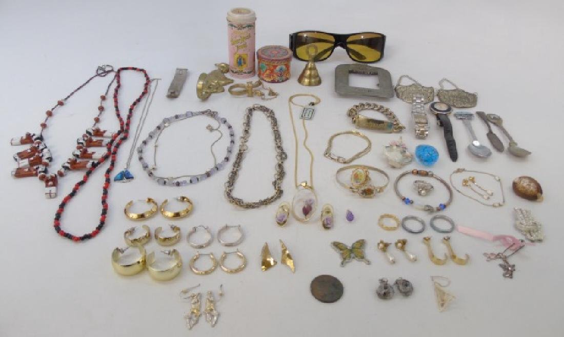 Large Group of Vintage Costume Jewelry & Parts