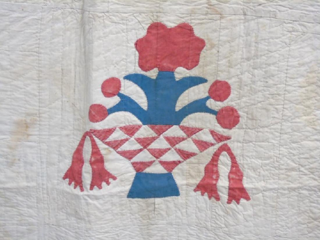 Antique American Basket Motif Hand Made Quilt - 3