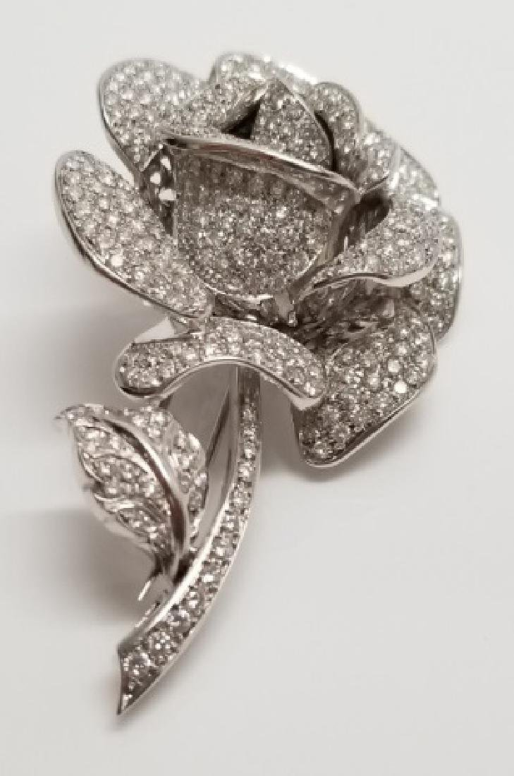 Important Estate 9 Carat Diamond & 18k Gold Brooch
