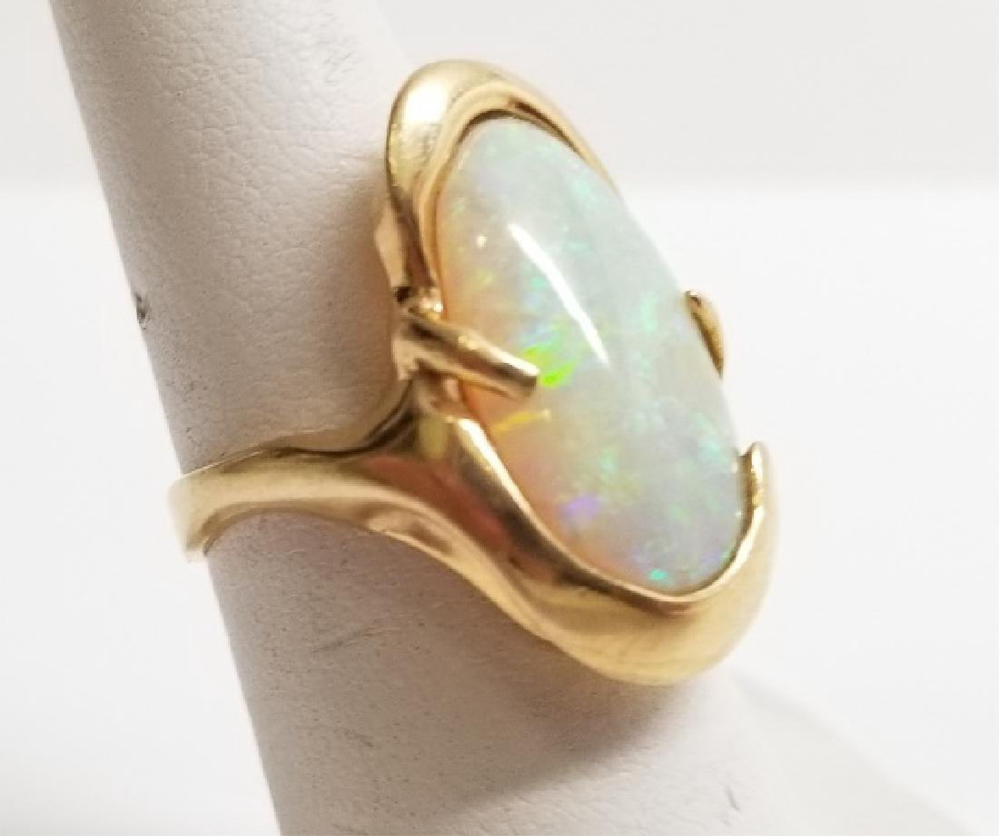Estate 14kt Yellow Gold & Opal Ladies Ring