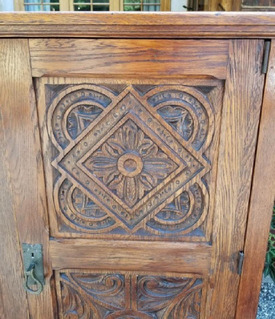 Antique English Jacobean / Tudor Cupboard Cabinet - 4