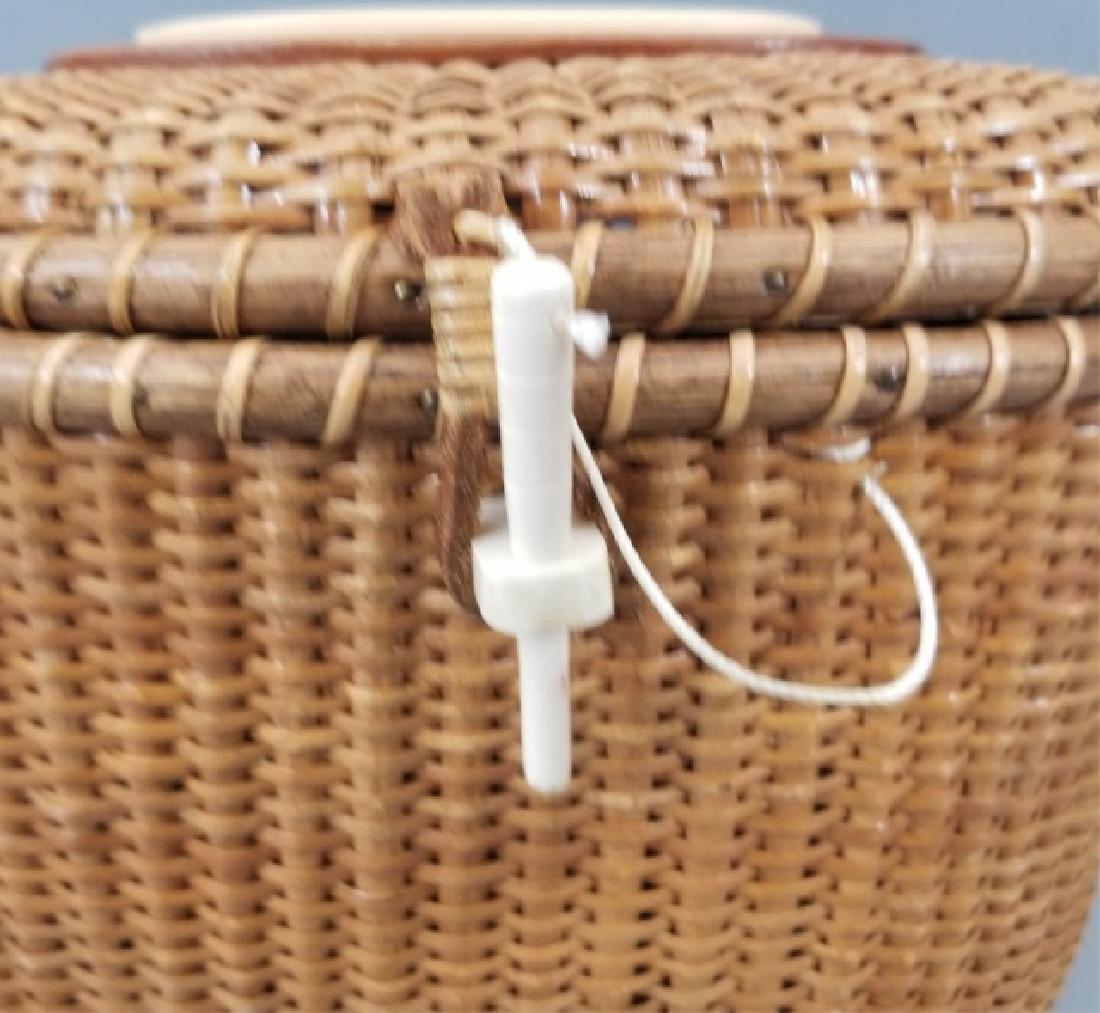 Vintage Handmade & Signed Nantucket Basket w Bone - 3