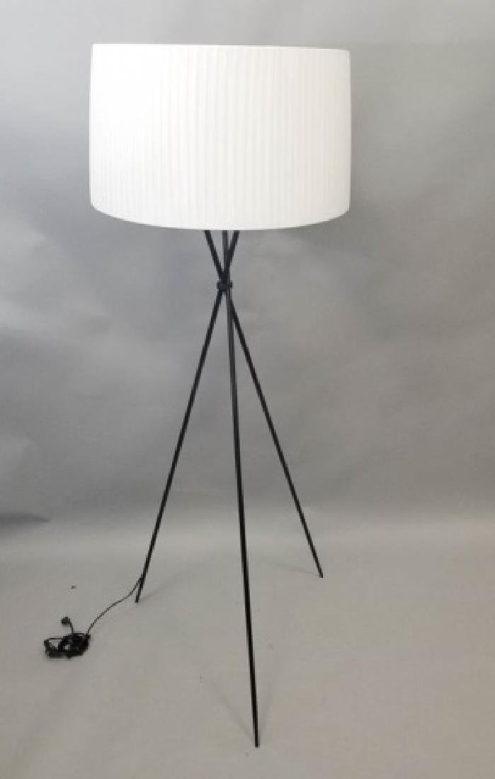 Black Steel Tripod Lamp w Large White Silky Shade