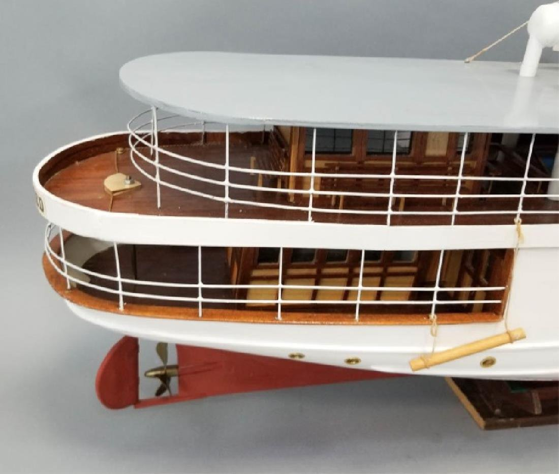 Ship's Model MarieFred w Custom Glass & Wood Case - 6