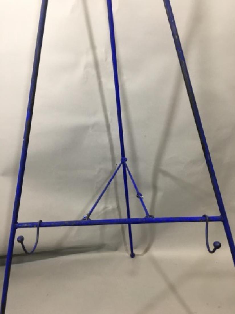 4 Standing Metal Easels - 2 Blue, 2 Black - 3