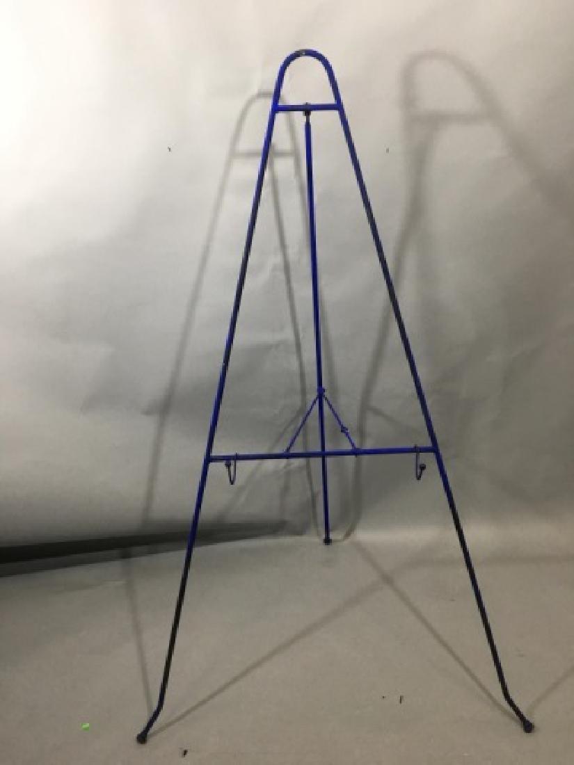 4 Standing Metal Easels - 2 Blue, 2 Black - 4