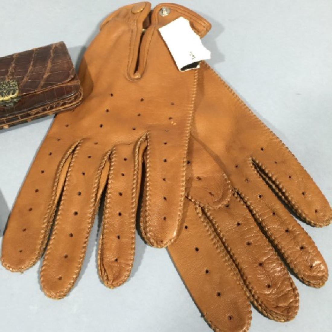 Group Vintage Leather Personal Items Wallet Gloves - 3