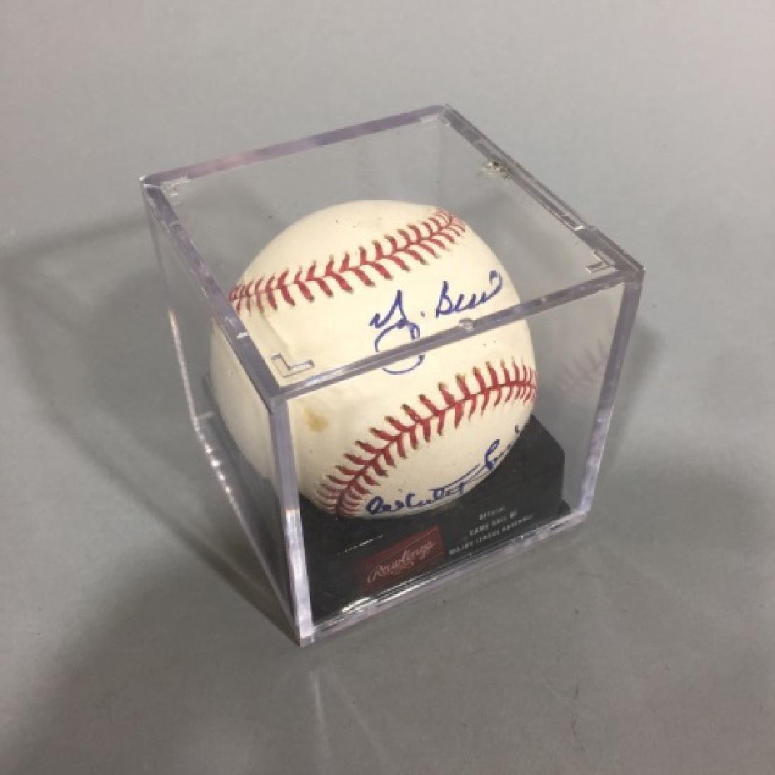 Double-Signed Baseball : Whitey Ford & Yogi Berra