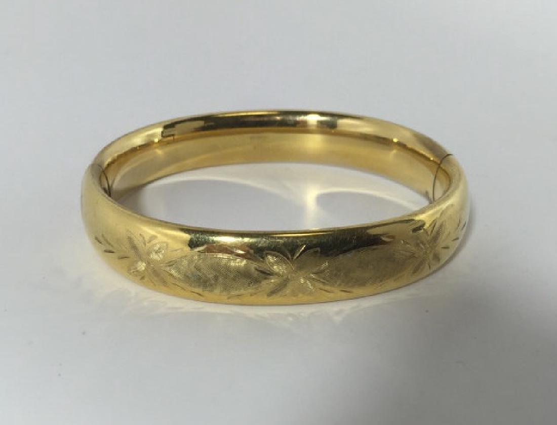 Vintage Chased Floral Design Gold Bracelet