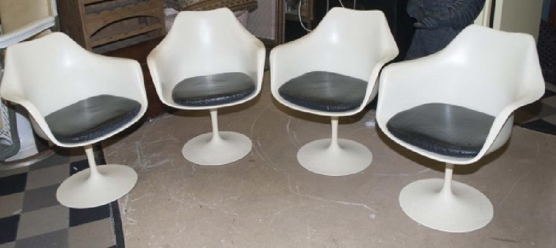4 Modern Knoll White Chairs with Leather Cushion
