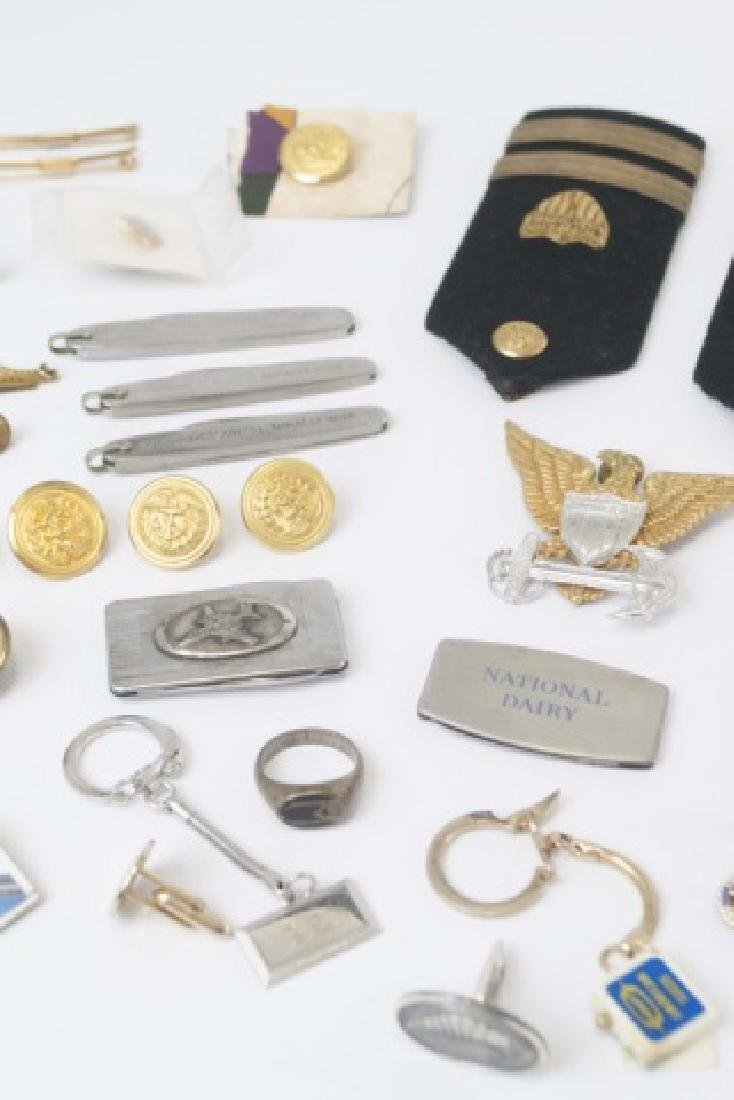 Collection Military Badges, Pocket Knives, Etc - 3