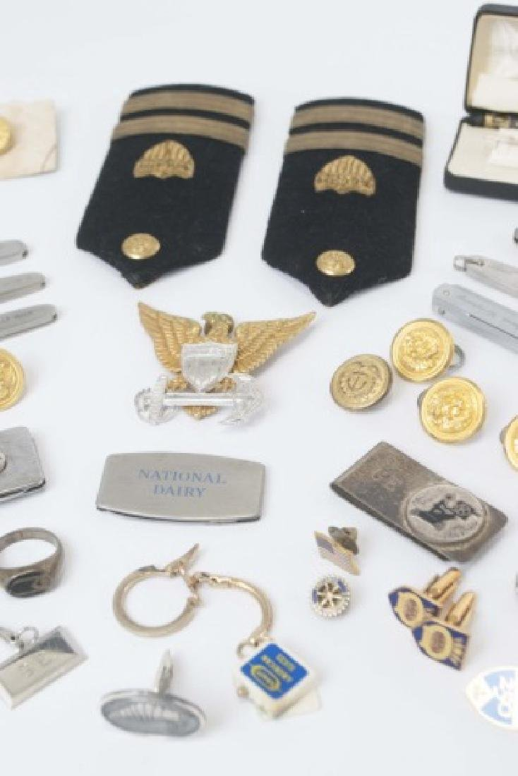 Collection Military Badges, Pocket Knives, Etc - 4
