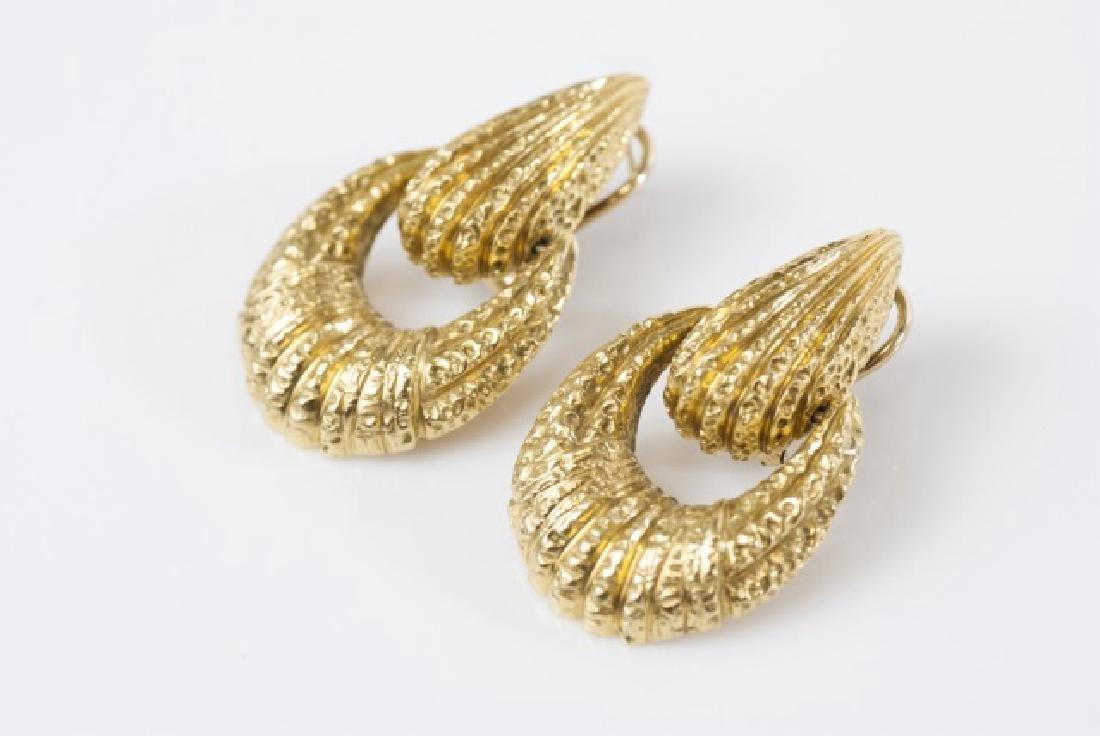 Pair Van Cleef & Arpels 18kt Yellow Gold Earrings