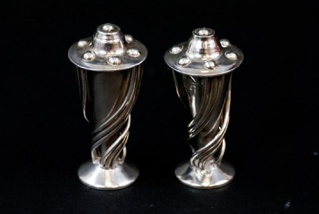 Pr Sterling Silver Mexican Salvador Salt & Pepper