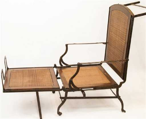 - Antique Outdoor Or Cruise Ship Deck Lounge Chair