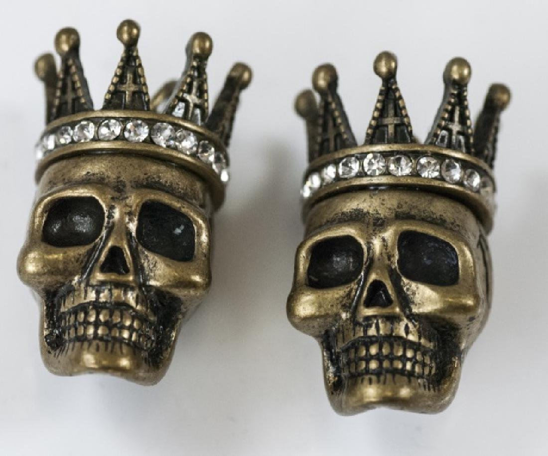 Pair of Jewelry Pendants - Human Skulls w Crowns - 4