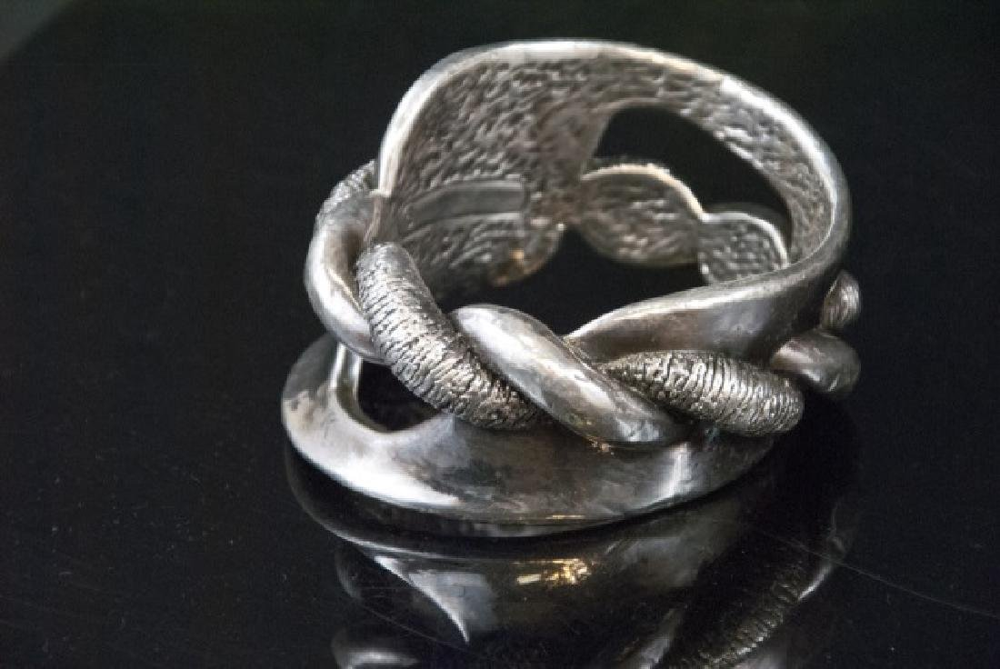 Unique Large Antique Sterling Silver Boggle - 3