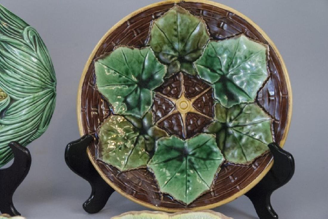 4 Assorted Majolica Plates & Serving Tray - 5