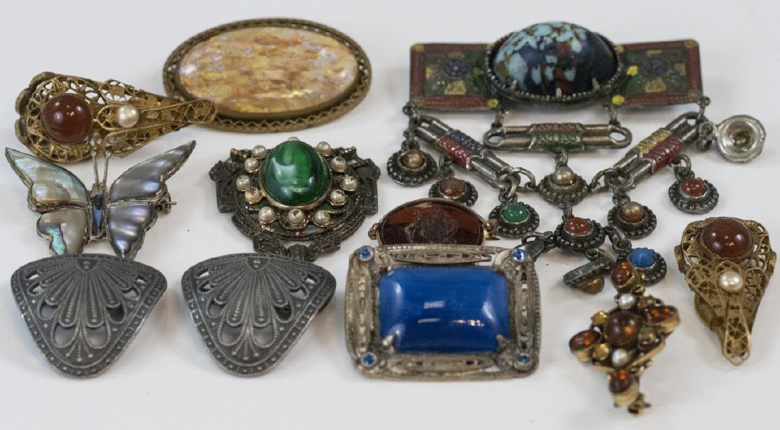 Antique Jewelry Items - Brooches & Pendants