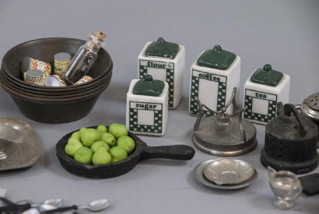 Collection Antique & Vintage Dollhouse Miniatures - 3