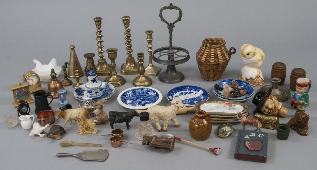 Group Antique & Vintage Dollhouse & Miniatures