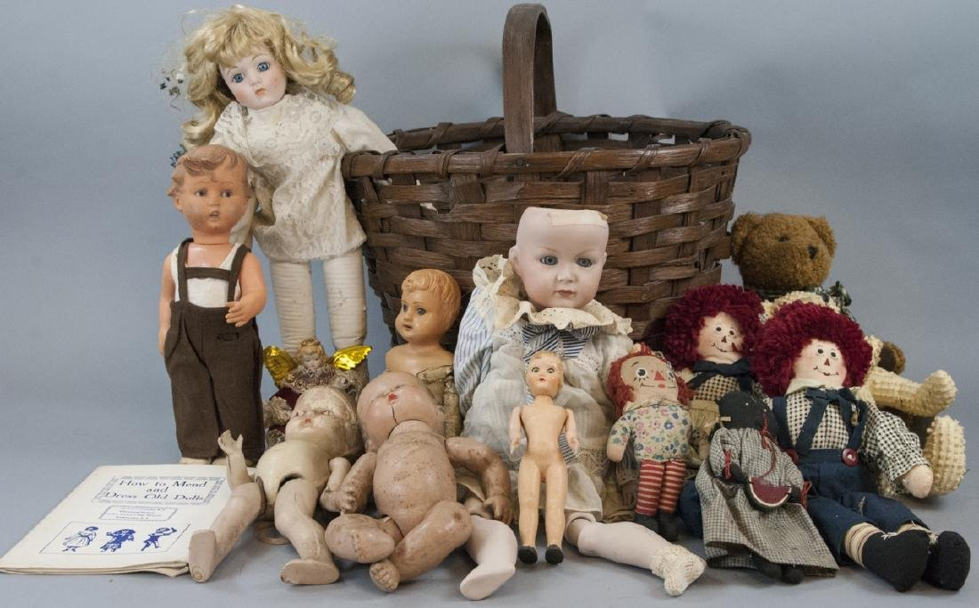 Group of Vintage Rag Dolls & Bears w Basket