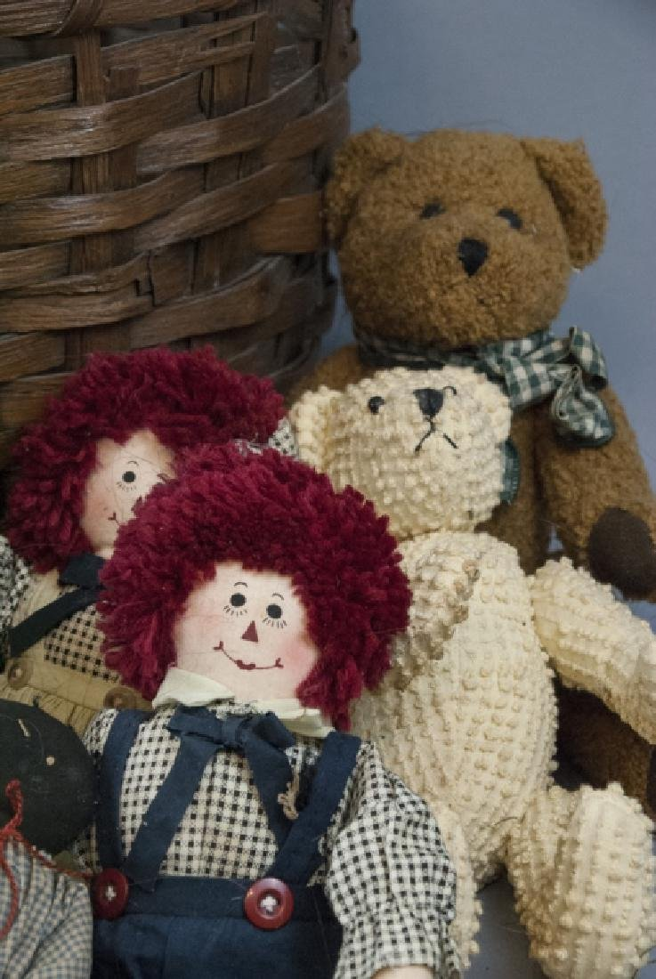Group of Vintage Rag Dolls & Bears w Basket - 3