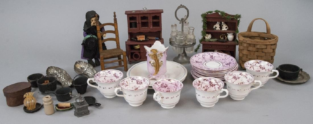 Antique Child Tea Set & Doll House / Miniatures