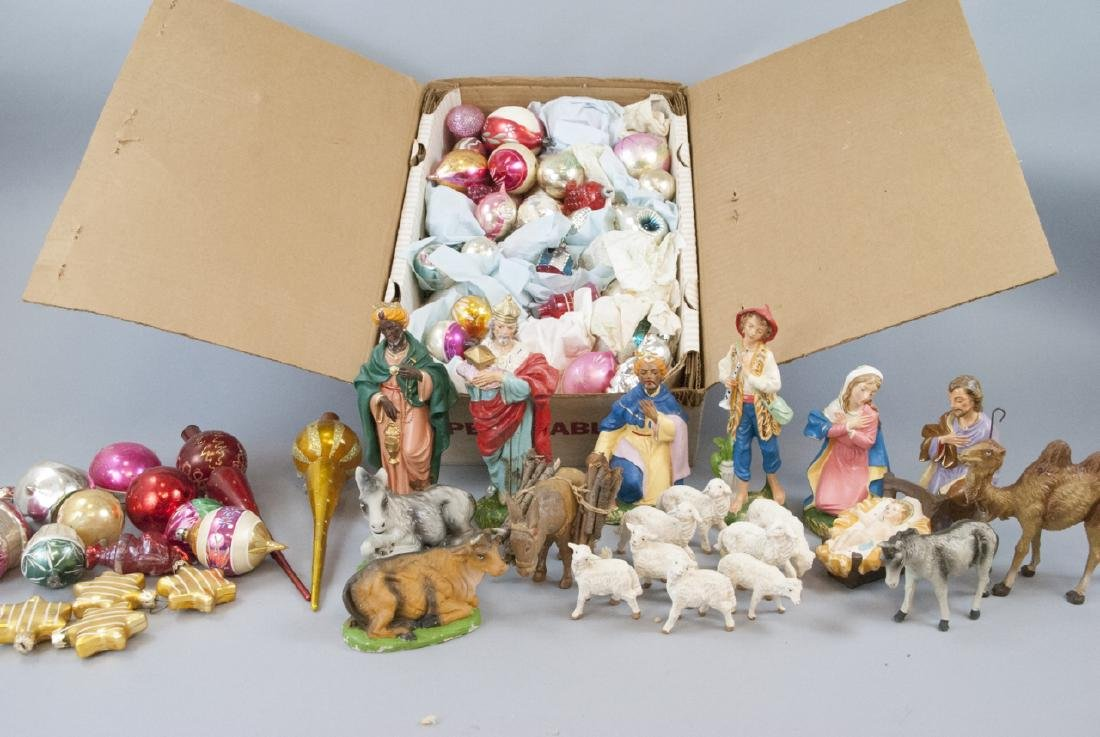 Vintage Christmas Decorations & Ornaments