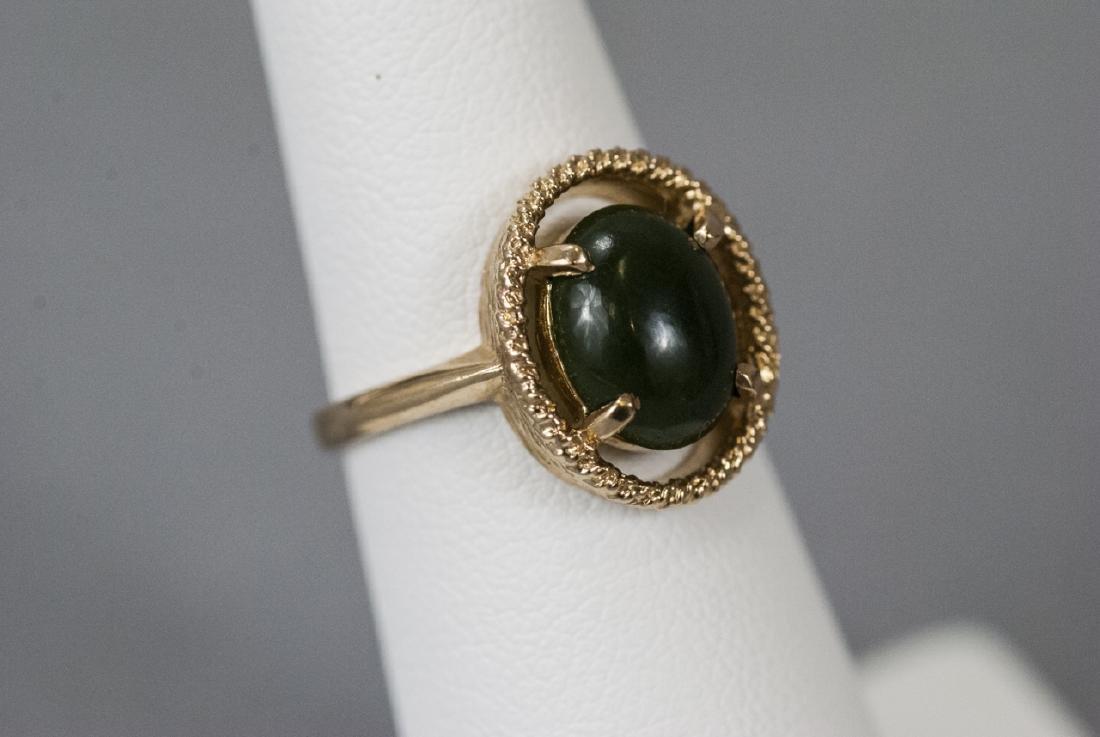 Estate Yellow Gold Cabochon Jade Retro Style Ring - 5