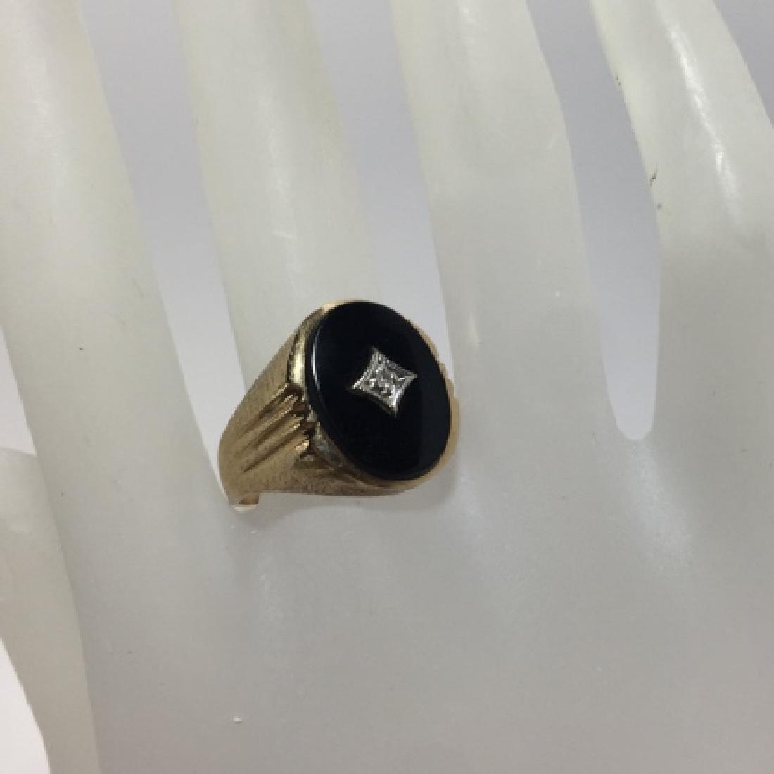 Estate 10kt Yellow Gold Onyx & Diamond Signet Ring