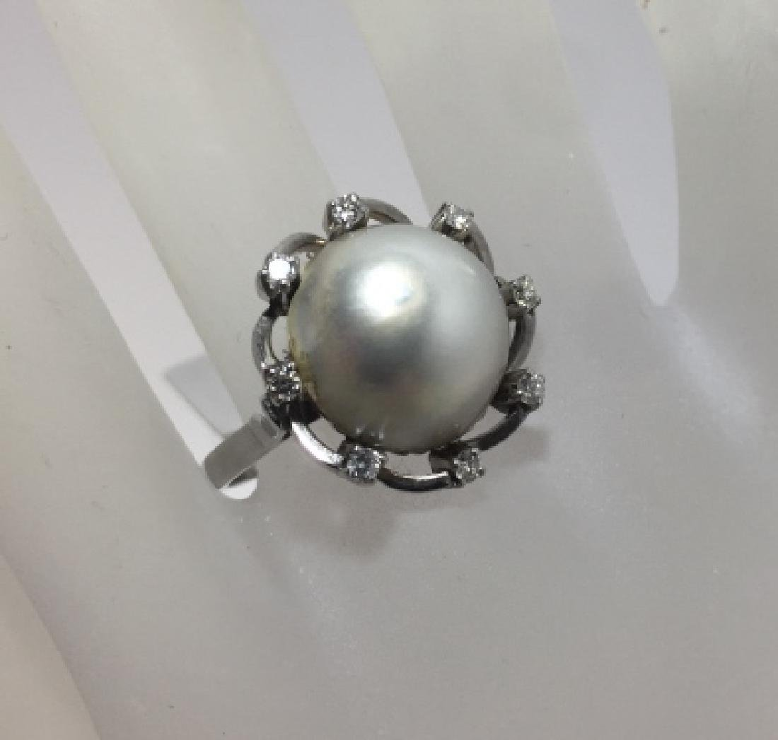 Estate 18kt White Gold Mabe Pearl & Diamond Ring