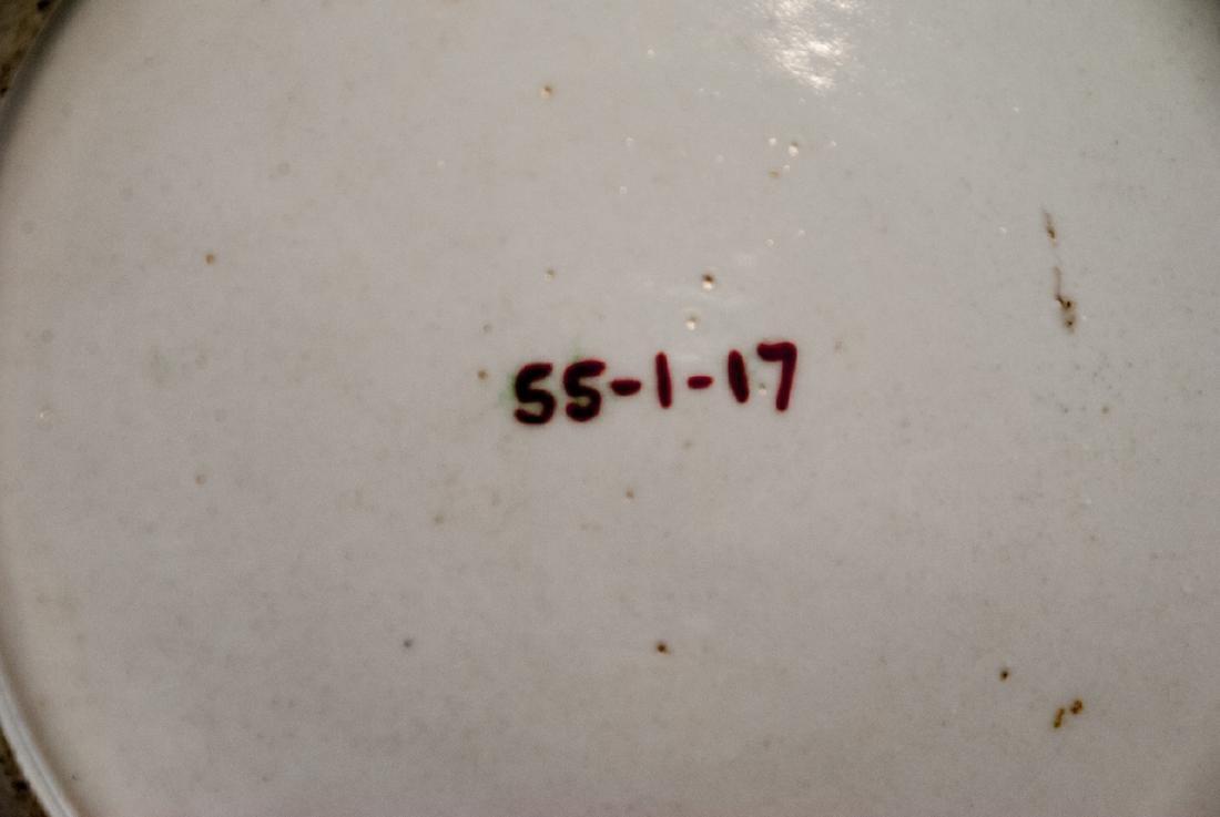Pair Antique Chinese Export Porcelain Plates - 3