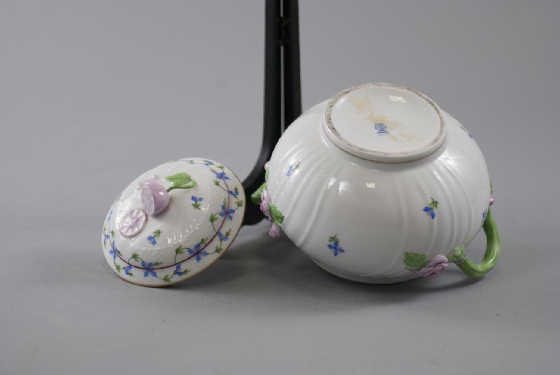 Herend of Hungary Porcelain Tureen w Flowers - 4
