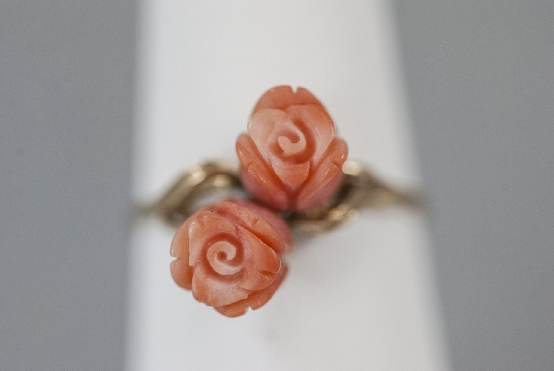Estate 14kt Yellow Gold & Carved Coral Flower Ring - 3