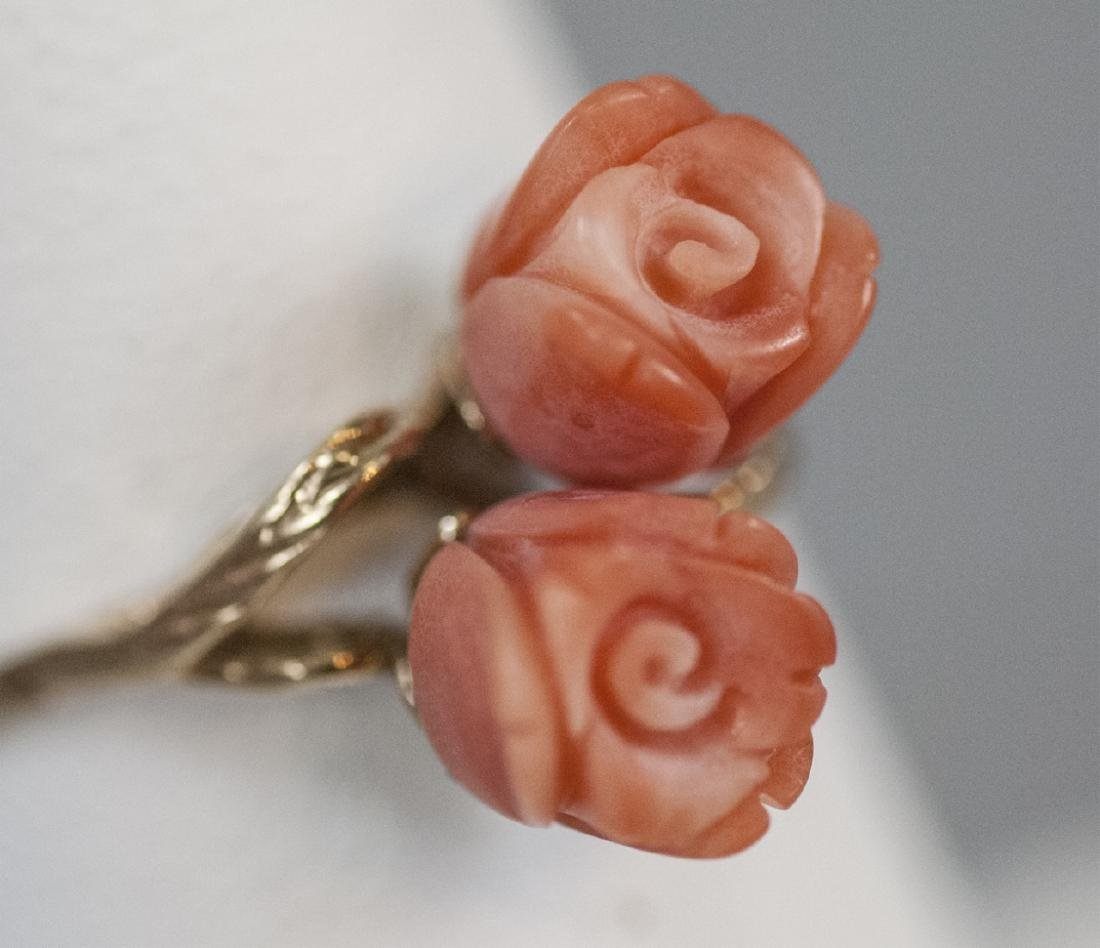 Estate 14kt Yellow Gold & Carved Coral Flower Ring - 5