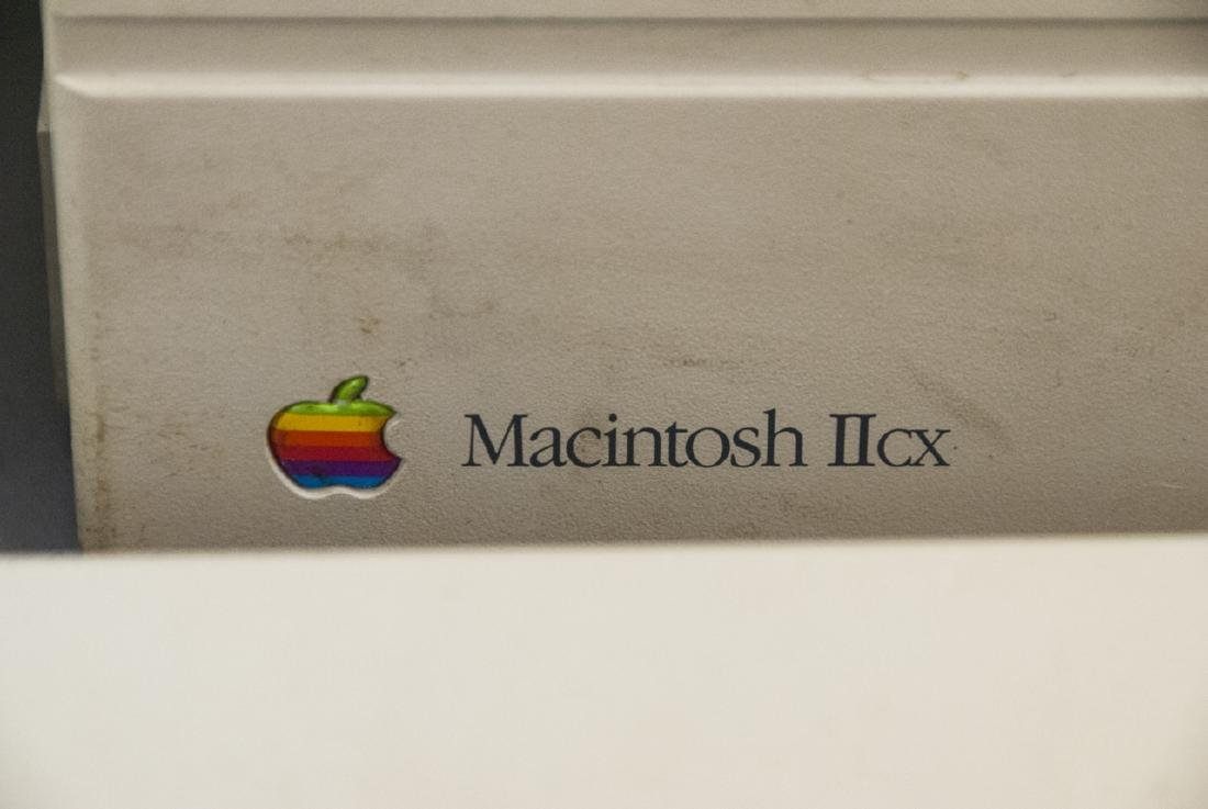 Vintage Macintosh Computer Full Set - 3