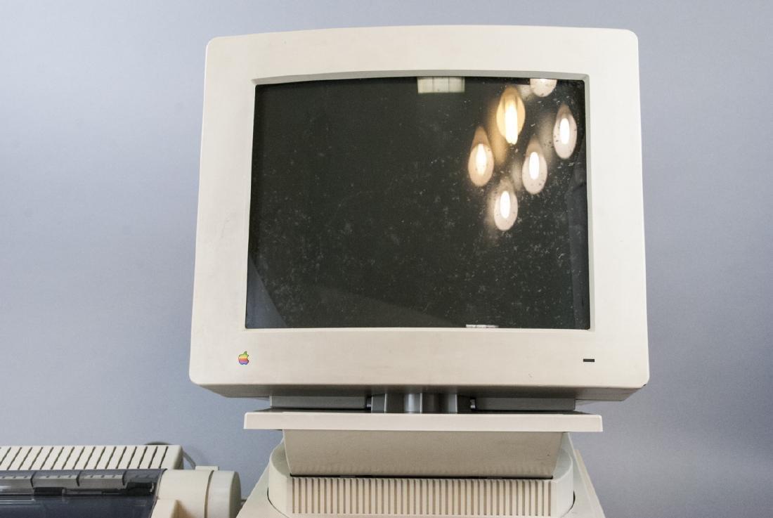 Vintage Macintosh Computer Full Set - 4
