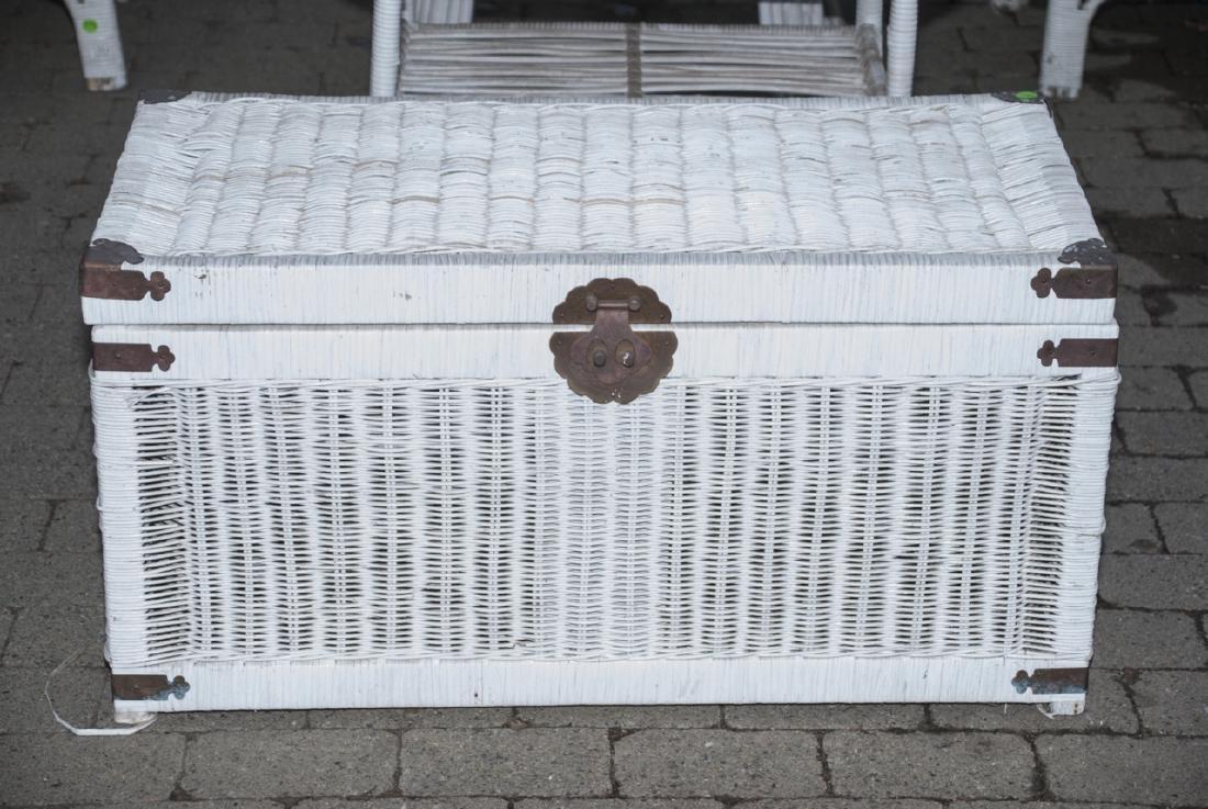 8 Piece White Whicker Outdoor Set - 2