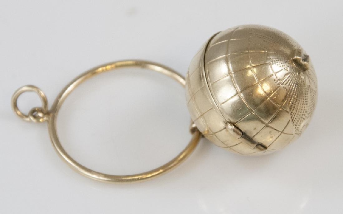 Estate 14kt Yellow Gold Globe Locket Pendant
