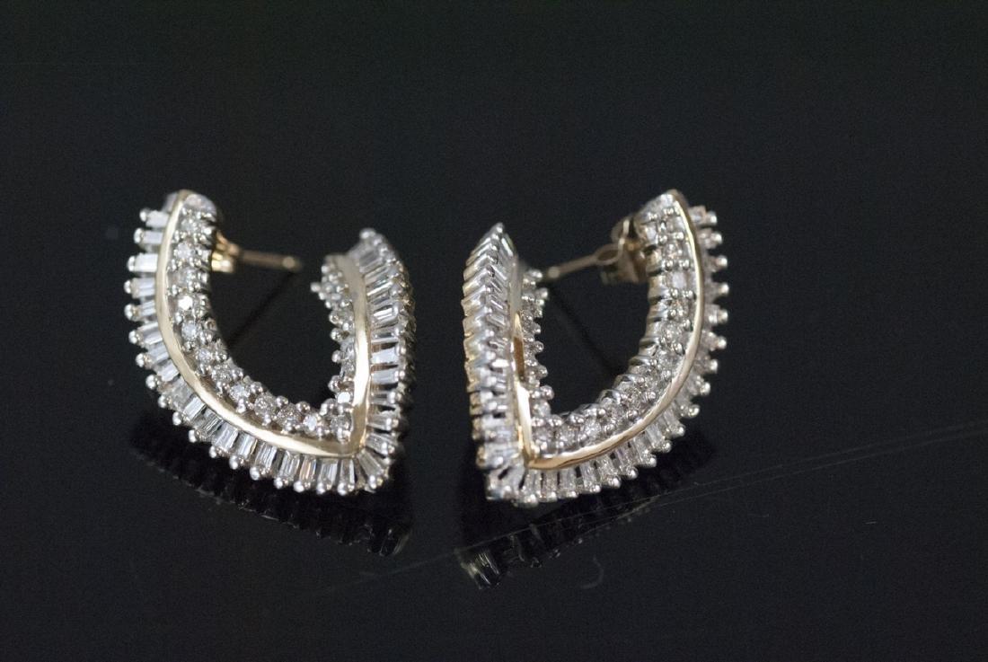 Pair 14k Gold Earrings w Round & Baguette Diamonds