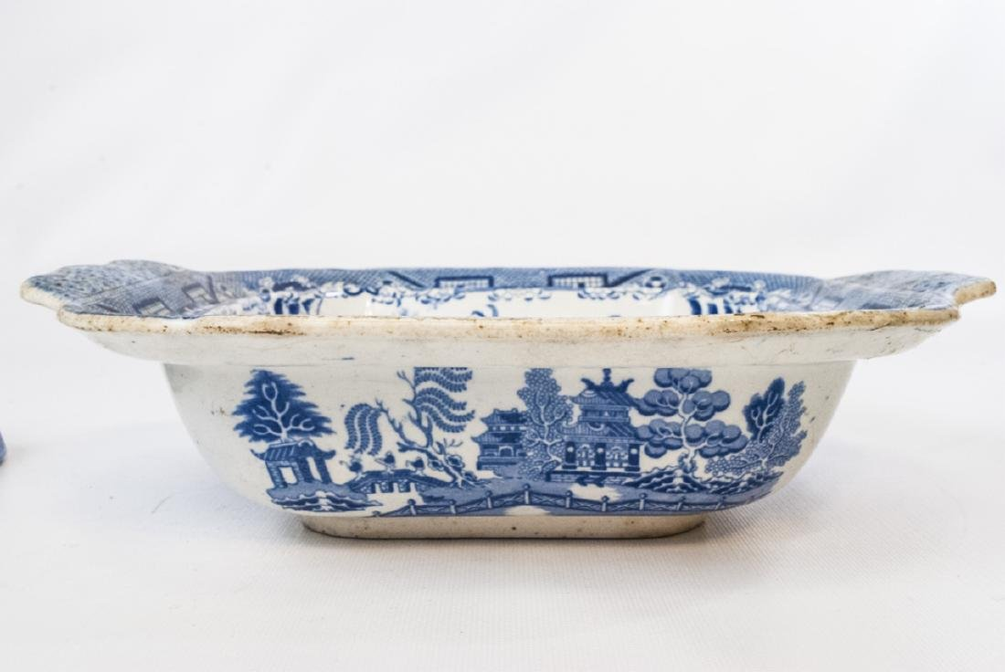 Antique English Blue Willow Chinese Pattern Tureen - 2