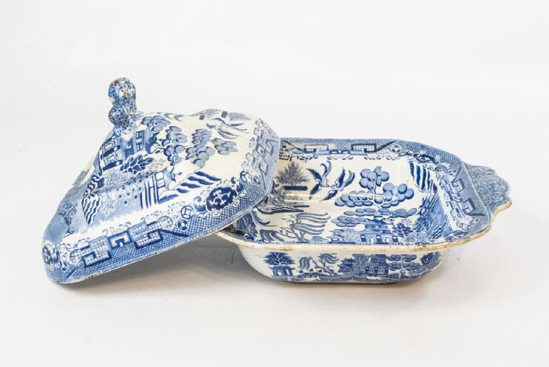 Antique English Blue Willow Chinese Pattern Tureen - 3