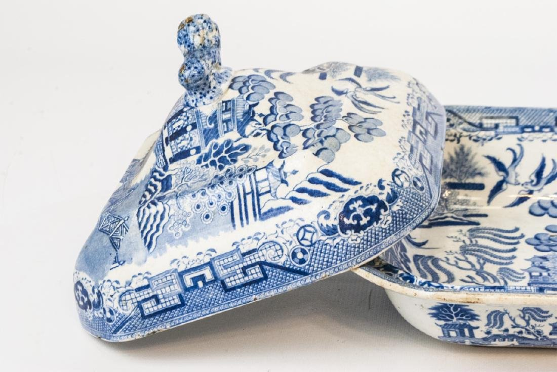 Antique English Blue Willow Chinese Pattern Tureen - 4