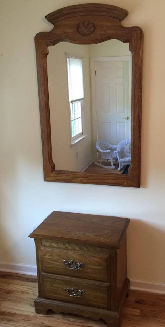 Traditional American Style Nightstand & Mirror