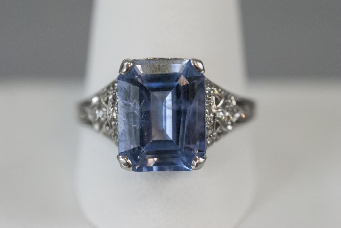 Estate Platinum & 9 Carat Ceylon Sapphire Ring - 3